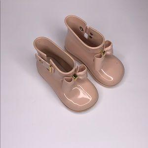 Mini Melissa light pink rain boots